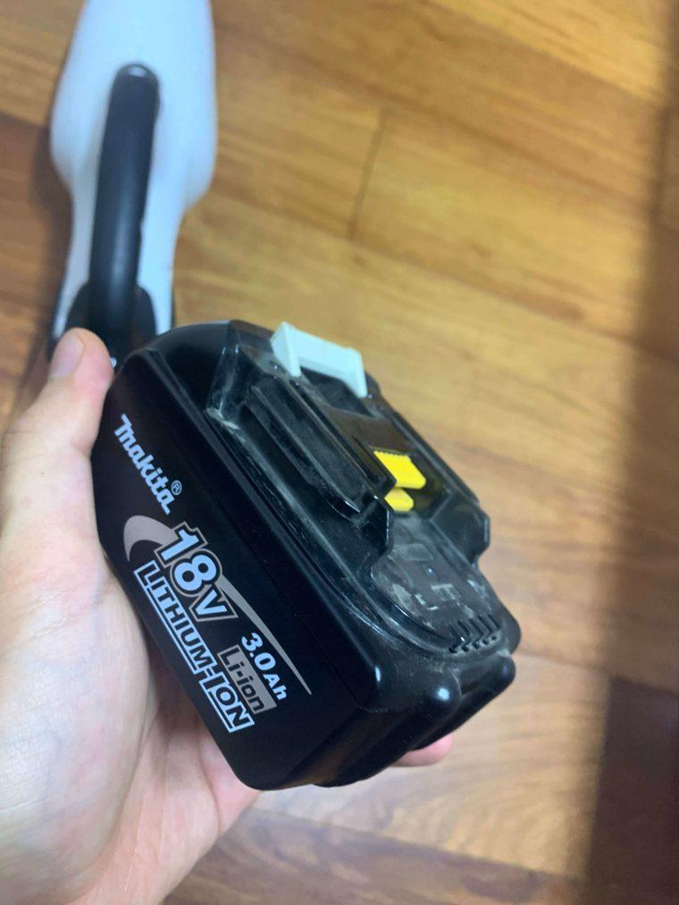 マキタコードレスクリーナーバッテリー